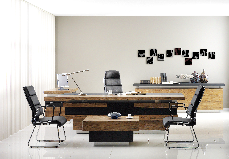 Come scegliere le scrivanie per l'ufficio