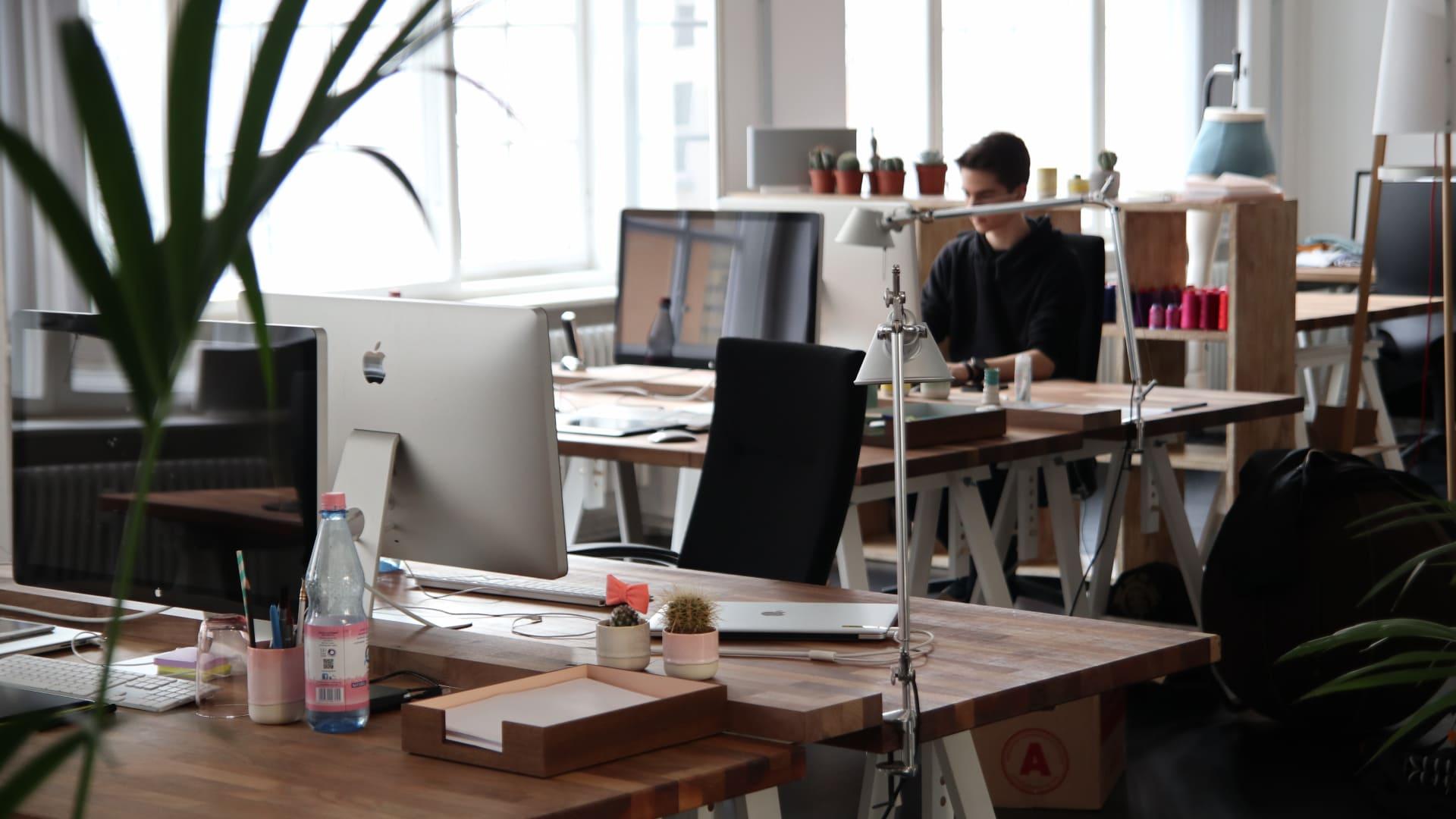 Come organizzare la propria postazione di lavoro